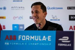 James Barclay, Team Director, Jaguar Racing en la conferencia de prensa