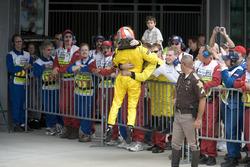 Tiago Monteiro, Jordan Toyota EJ15 celebrates with the team