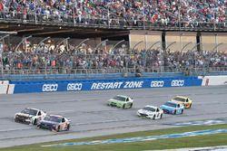 Denny Hamlin, Joe Gibbs Racing Toyota, Ryan Newman, Richard Childress Racing Chevrolet, Brad Keselow