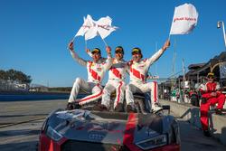 Racewinnaars Kelvin van der Linde, Pierre Kaffer, Markus Winkelhock, Team Magnus