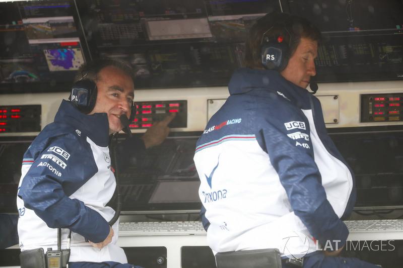 Paddy Lowe, Williams Martini Racing Formula 1, and Rob Smedley, Head of Vehicle Performance, Williams Martini Racing