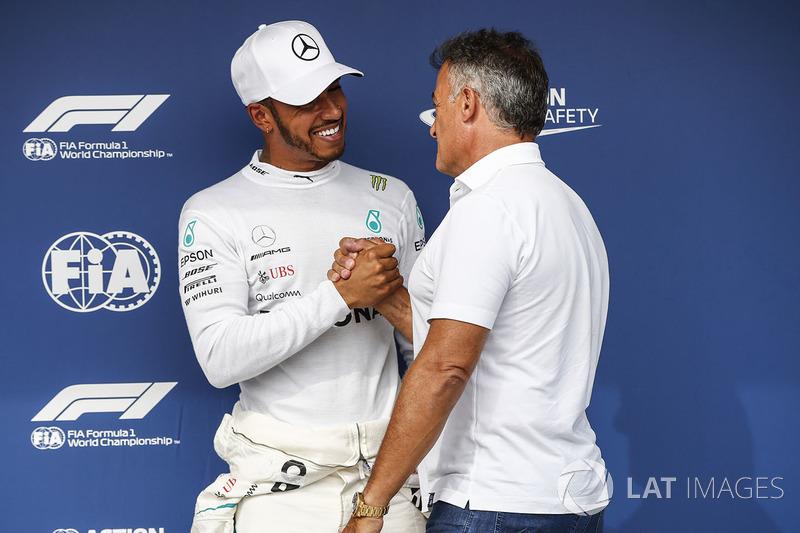 Jean Alesi congratulates Lewis Hamilton, Mercedes AMG F1, on pole