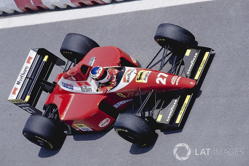 23: Jean Alesi: 114 grandes premios (el 56,72% de los disputados)