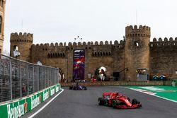 Kimi Raikkonen, Ferrari SF71H, Brendon Hartley, Toro Rosso STR13 Honda