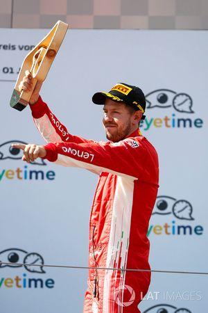 Sebastian Vettel, Ferrari, 3e plaats, op het podium