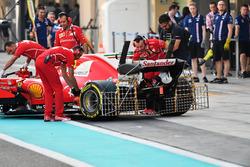 Kimi Raikkonen, Ferrari SF70H, avec des capteurs aérodynamiques sur l'aileron arrière