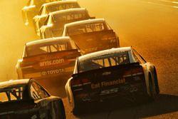 Даниэль Суарес, Joe Gibbs Racing Toyota и Райан Ньюман, Richard Childress Racing Chevrolet