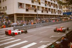Ayrton Senna, McLaren MP4/4; Alain Prost, McLaren MP4/4