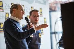 Гонщики Racing Team Nederland Фриц ван Эрд и Гидо ван дер Гарде
