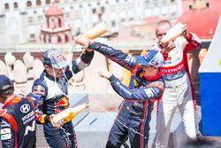 Podium: Sébastien Ogier, M-Sport Ford WRT en Dani Sordo, Hyundai Motorsport, Kris Meeke, Citroën Wor
