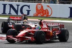 Felipe Massa, Ferrari F2008; Lewis Hamilton, McLaren MP4-23