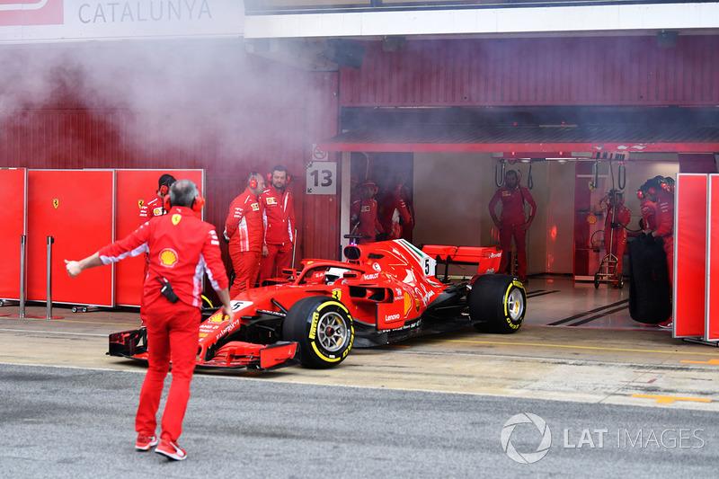Sebastian Vettel, Ferrari SF71H con humo