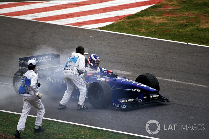 Olivier Panis, Prost AP01para con un motor quemado