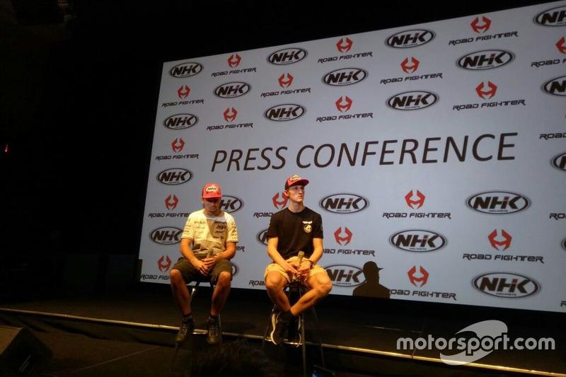 Karel Abraham, Angel Nieto Team dan Jules Danilo, SAG Team Moto2 saat event helm NHK Indonesia di Jakarta