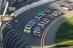 Ryan Blaney, Team Penske Ford Fusion, Martin Truex Jr., Furniture Row Racing Toyota