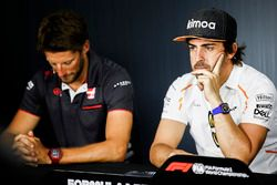 Romain Grosjean, Haas F1 Team, and Fernando Alonso, McLaren, in the press conference