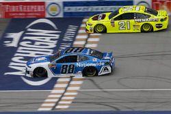 Alex Bowman, Hendrick Motorsports, Chevrolet Camaro Nationwide Paul Menard, Wood Brothers Racing, Fo