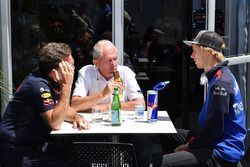 Dr Helmut Marko, Red Bull Motorsport Consultant and Brendon Hartley, Scuderia Toro Rosso