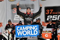 Noah Gragson, Kyle Busch Motorsports, Toyota Tundra Safelite AutoGlass ganador