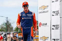 Scott Dixon, Chip Ganassi Racing Honda, Winnaar, viert de overwinning op het podium