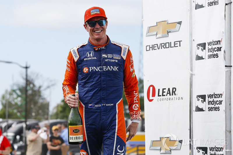 Scott Dixon, Chip Ganassi Racing Honda, Winner, Celebrates on the podium