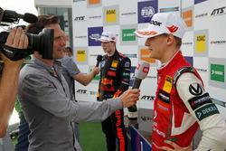 Mick Schumacher, PREMA Theodore Racing Dallara F317 - Mercedes-Benz, Dan Ticktum, Motopark Dallara F317 - Volkswagen