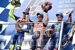 Podium: 1. Marc Marquez, 2. Valentino Rossi, 3. Maverick Vinales