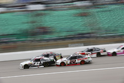 Tyler Reddick, Chip Ganassi Racing Chevrolet e Ryan Blaney, Team Penske Ford