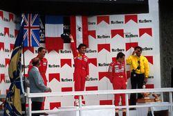 Podium: winnaar Alain Prost, tweede Nigel Mansell, derde Gerhard Berger