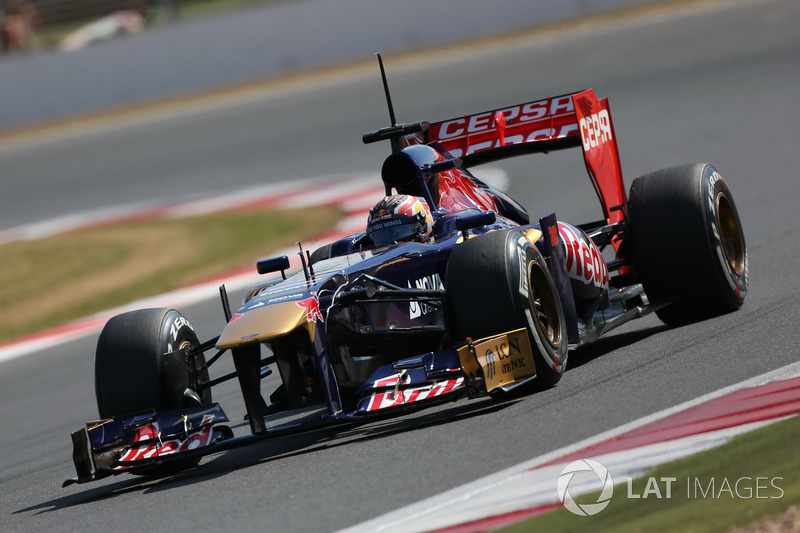 Даниил Квят, Scuderia Toro Rosso STR8
