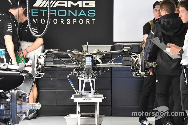 Коробка передач Mercedes F1 W08
