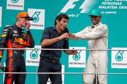 Race winner Max Verstappen, Red Bull Racing, Mark Webber, Lewis Hamilton, Mercedes AMG F1 celebrate