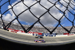 Денни Хэмлин, Joe Gibbs Racing Toyota и Рид Соренсон, Premium Motorsports Toyota