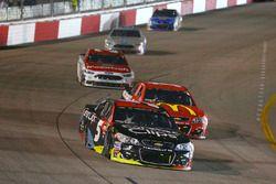 Kasey Kahne, Hendrick Motorsports Chevrolet, Jamie McMurray, Chip Ganassi Racing Chevrolet