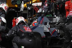 Romain Grosjean, Haas F1 Team Team VF-17, pitstop