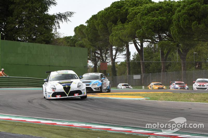 Joakim Darbom, Alfa Romeo Giulietta TCR, V-Action