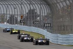 Tony Kanaan, Chip Ganassi Racing Honda, Simon Pagenaud, Team Penske Chevrolet, Will Power, Team Pens