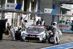 Tom Blomqvist, BMW Team RBM, BMW M4 DTM, Boxenstopp