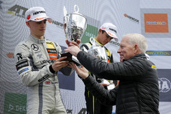 Podio: Jake Hughes, Hitech Grand Prix, Dallara F317 - Mercedes-Benz