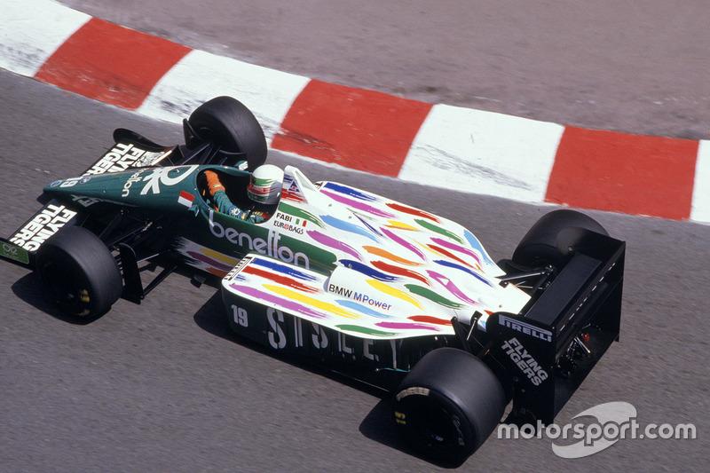 ... un poco rebuscado, pero el rosa también apareció en el Benetton de 1986...