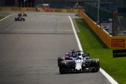 Фелипе Масса, Williams FW40, и Карлос Сайнс-мл., Scuderia Toro Rosso STR12