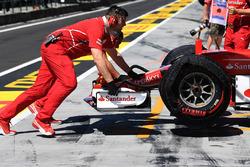 Автомобиль Ferrari SF70H