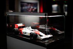 Il modellino della McLaren Honda 1988 di Ayrton Senna