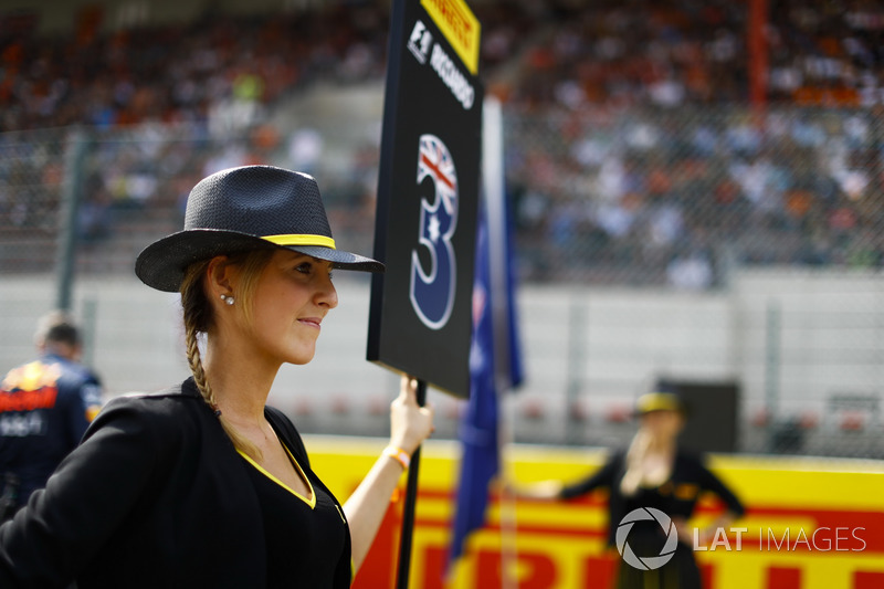La Grid Girl di Daniel Ricciardo, Red Bull Racing