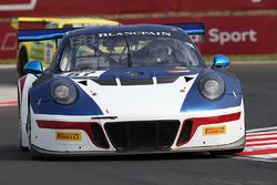 #67 Attempto Racing Porsche 991 GT3R: Klaus Bachler, Kevin Estre