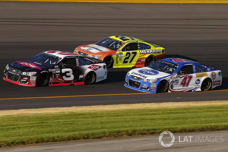 Austin Dillon, Richard Childress Racing Chevrolet, Paul Menard, Richard Childress Racing Chevrolet,