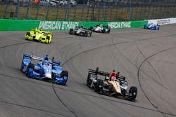 Tony Kanaan, Chip Ganassi Racing Honda, James Hinchcliffe, Schmidt Peterson Motorsports Honda