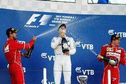 Podio: il vincitore della gara Valtteri Bottas, Mercedes AMG F1, il secondo classificato Sebastian Vettel, Ferrari, il terzo classificato kimi Raikkonen, Ferrari