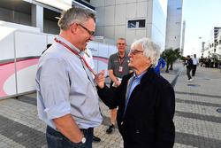 Bernie Ecclestone y Joe Saward periodista