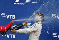 Podium: race winnaar Valtteri Bottas, Mercedes AMG F1